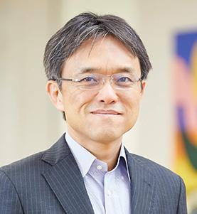 本間 浩輔 氏